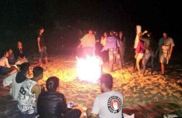 Gokarna-Beach-Campfire