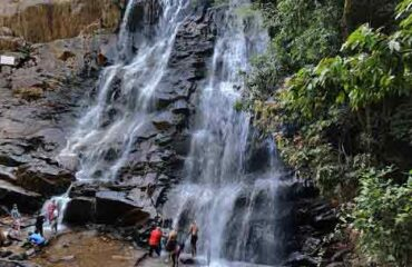 Sirimane waterfalls in February