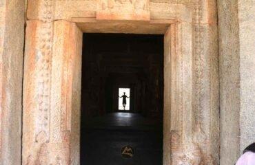 Virupaksha-Temple-Hampi